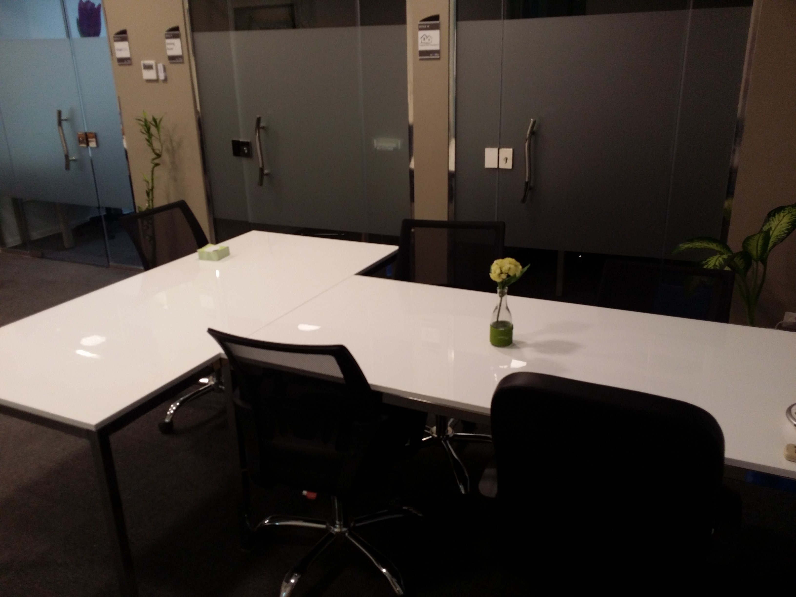 shared coworking space مساحة عمل mycooffice